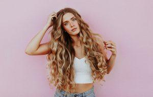pielęgnacja włosów przedłużanych, kosmetyki do włosów przedłużanych
