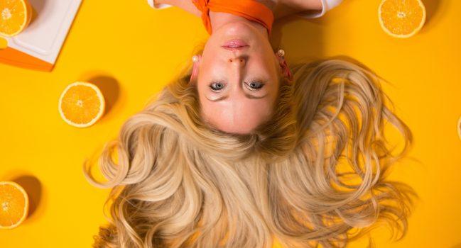 Zasady prawidłowej pielęgnacji włosów przedłużanych