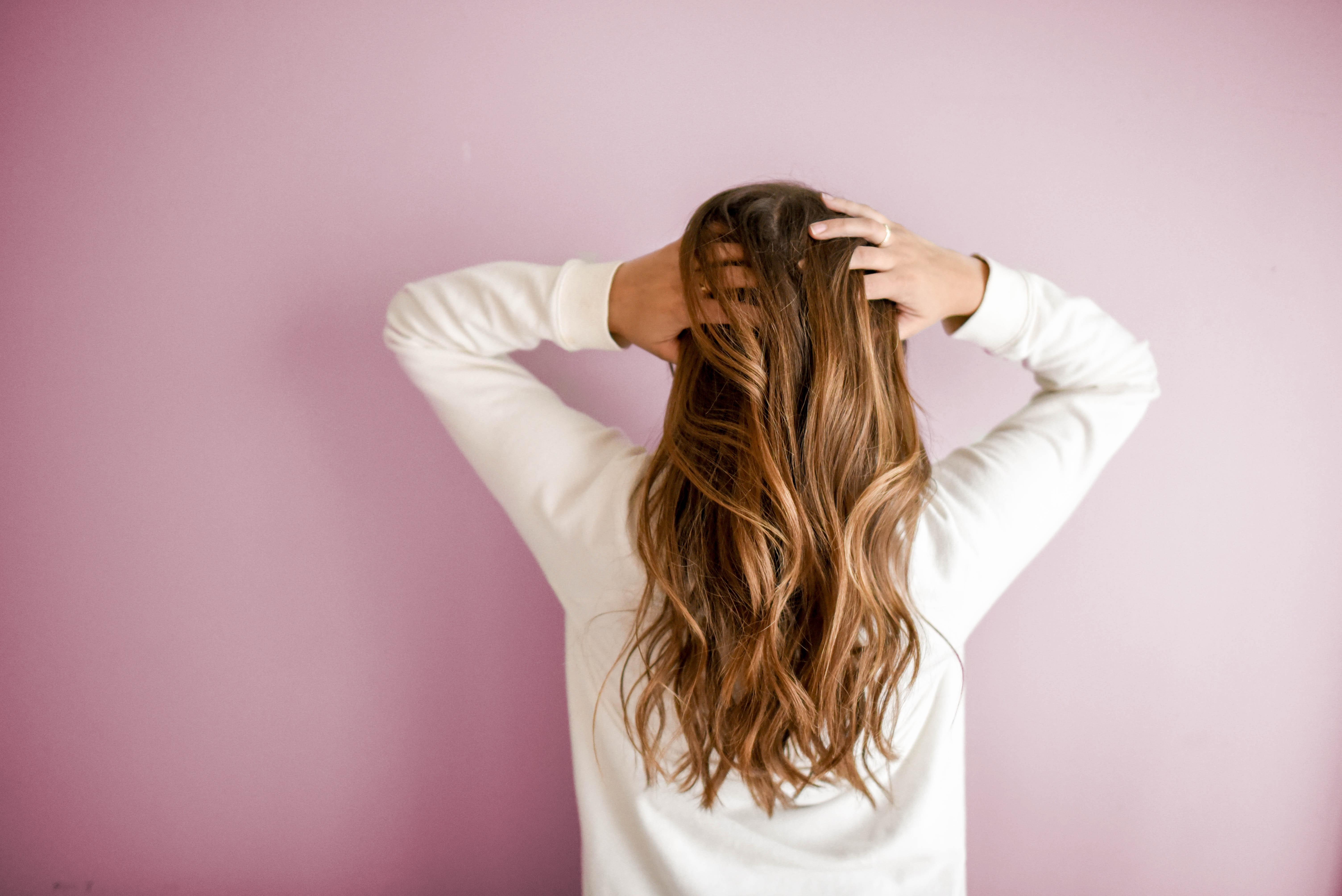 Profesjonalne przedłużanie włosów – metoda kanapkowa